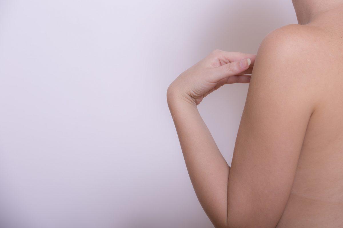 腕が細い女性が持たれる印象とその理由やカバーする対処法