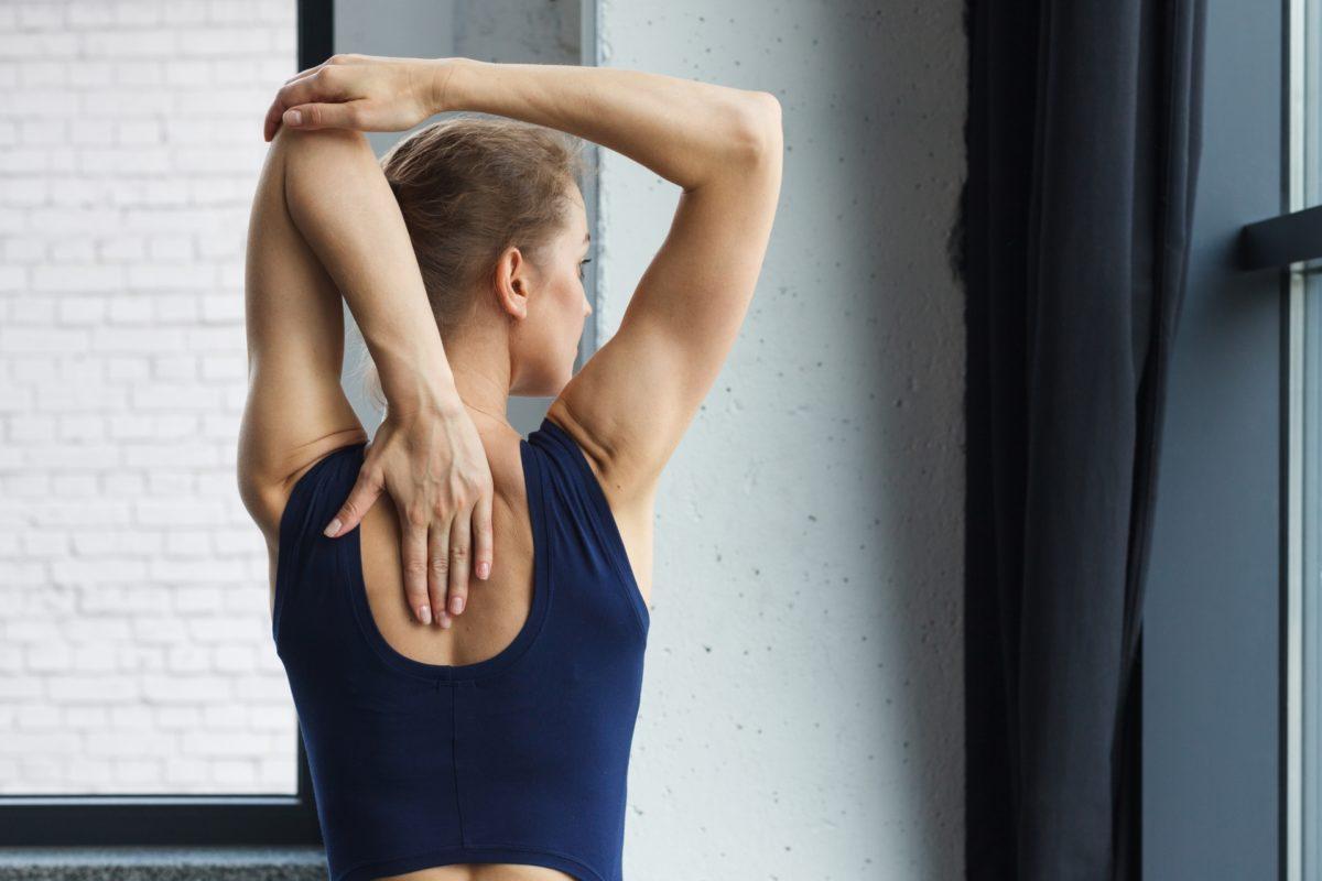 背筋を鍛える!女性らしいボディ目指して。効果的に背筋を動かす